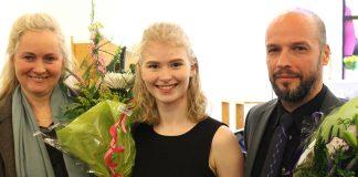 Jóhanna ásamt kennara sínum Maríu Weiss og meðleikara á tónleikunum Miklósi Dalmay píanóleikara.