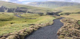Uppbyggður göngustígurinn er að jafnaði 1,6 m breiður. Mynd: Umhverfisstofnun