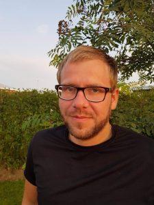 Haukur Gíslason, öku- og grunnskólakennari.