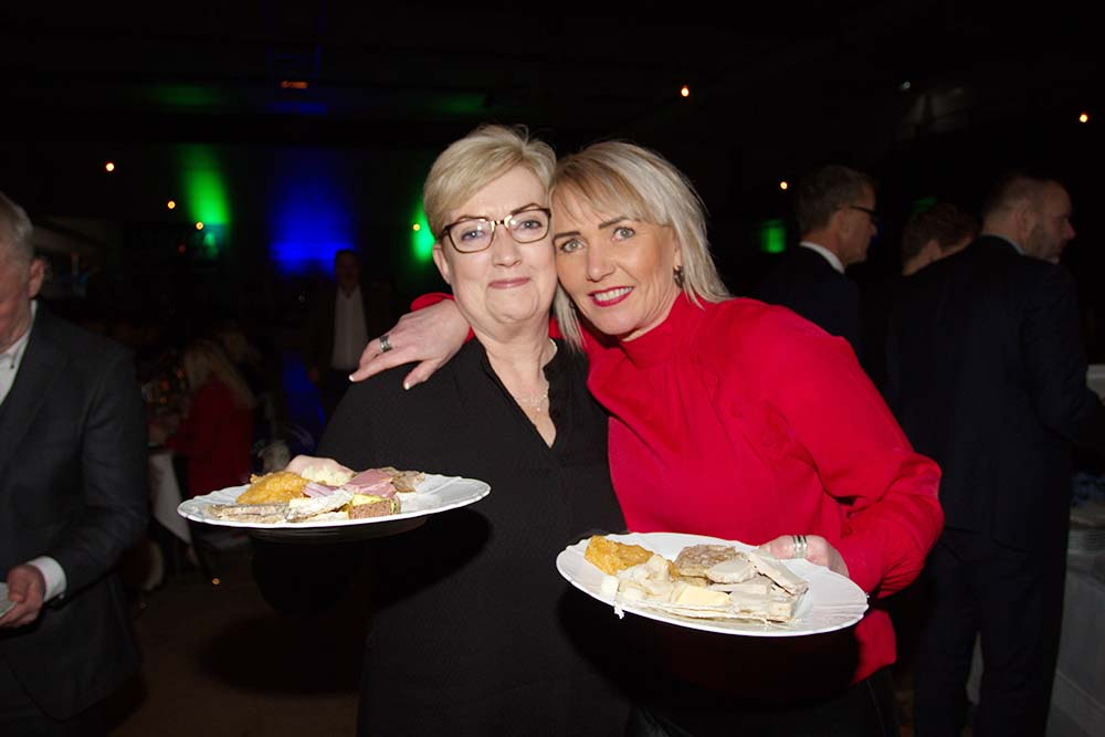 Helga Stefánsdóttir og Hrafnhildur Kristjánsdóttir.